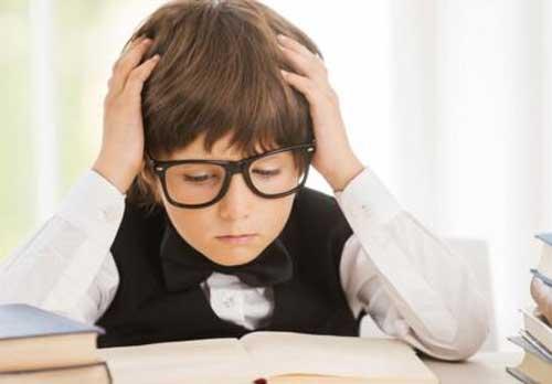 孩子<a href=http://www.jingsi.org.cn/nous/ target=_blank class=infotextkey>上课注意力不集中怎么办</a>.jpg